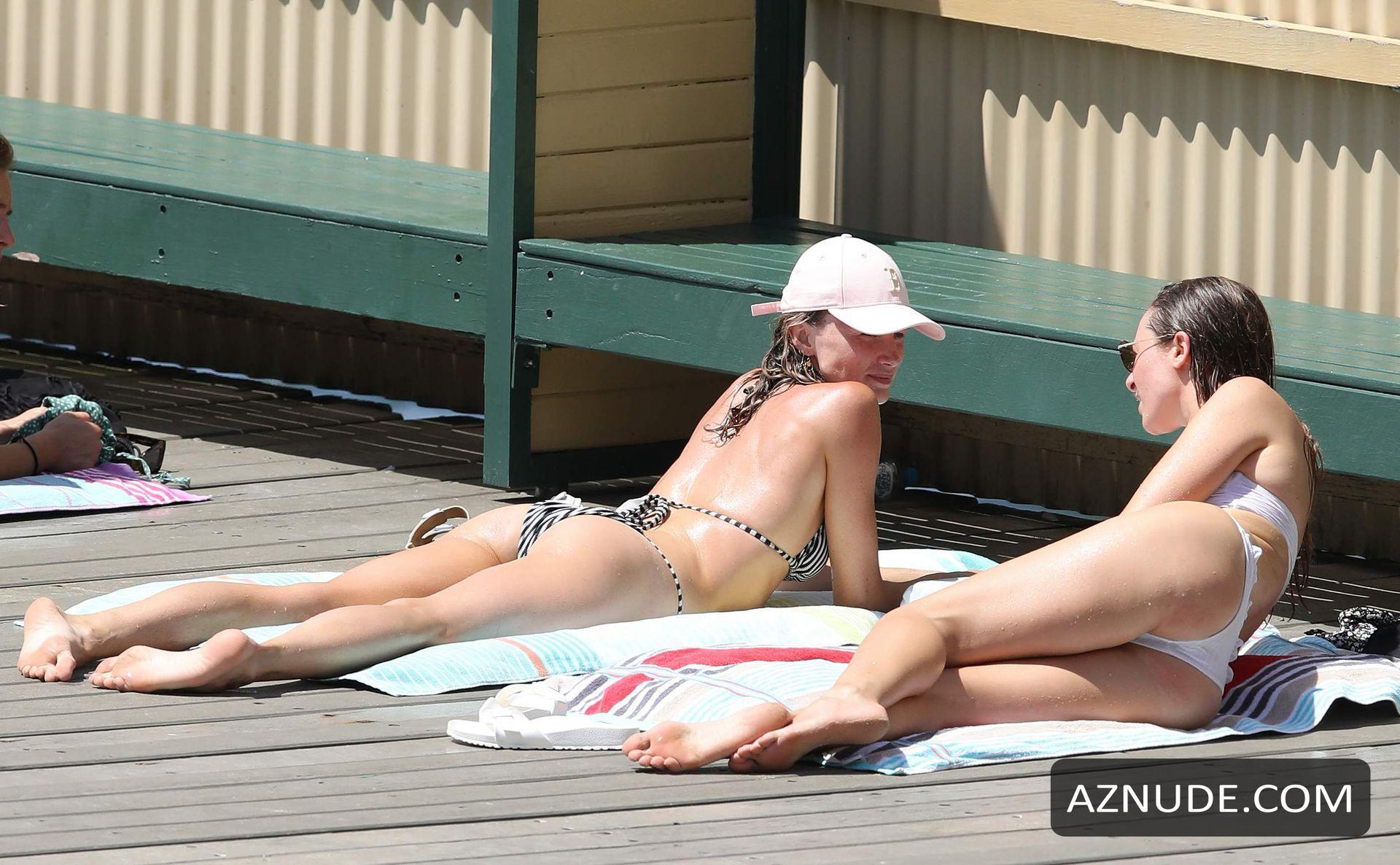 Nackt  Amy Pejkovic Meet Model,
