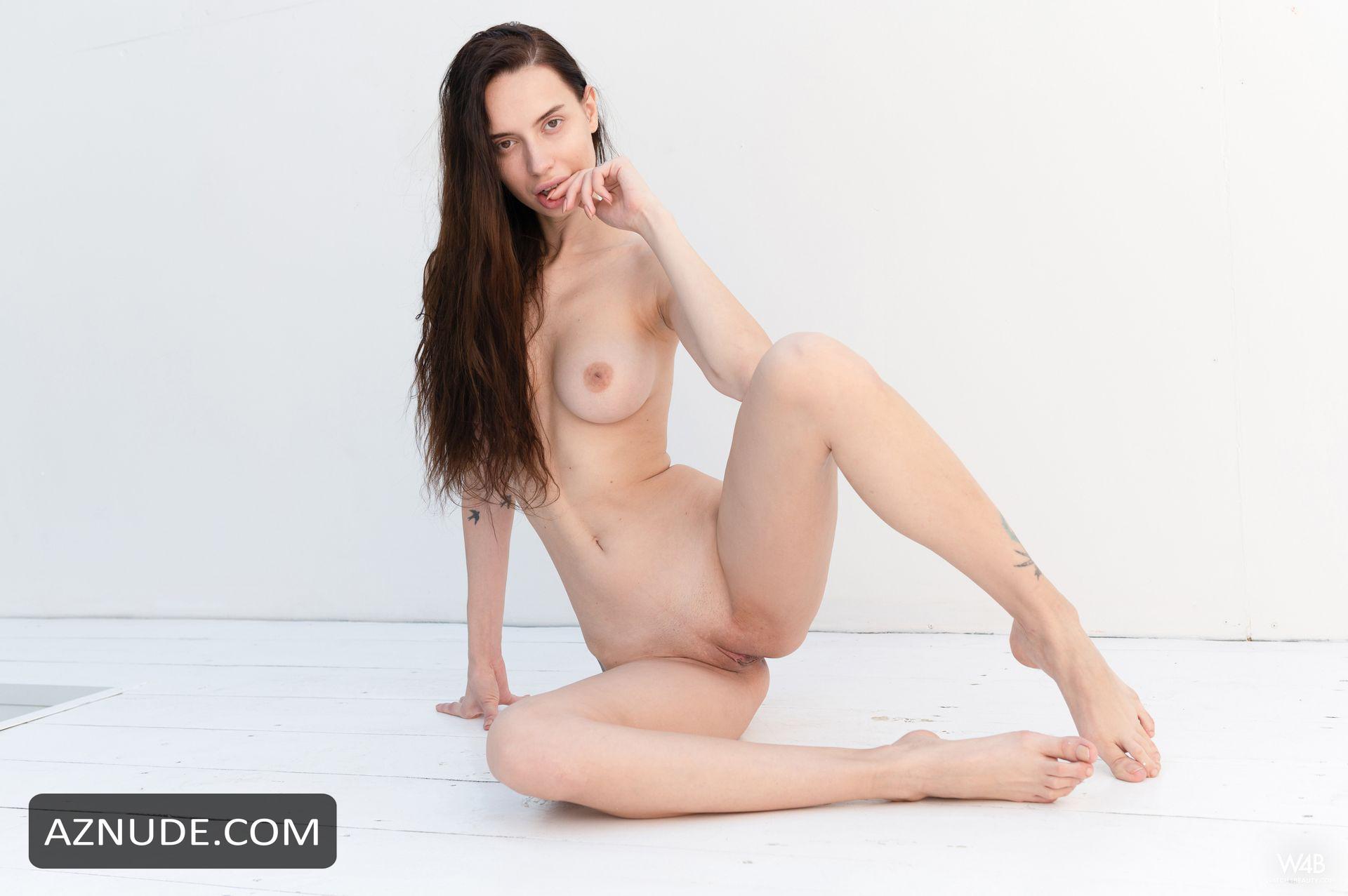Nackt  Ann Savich Perfect Girl
