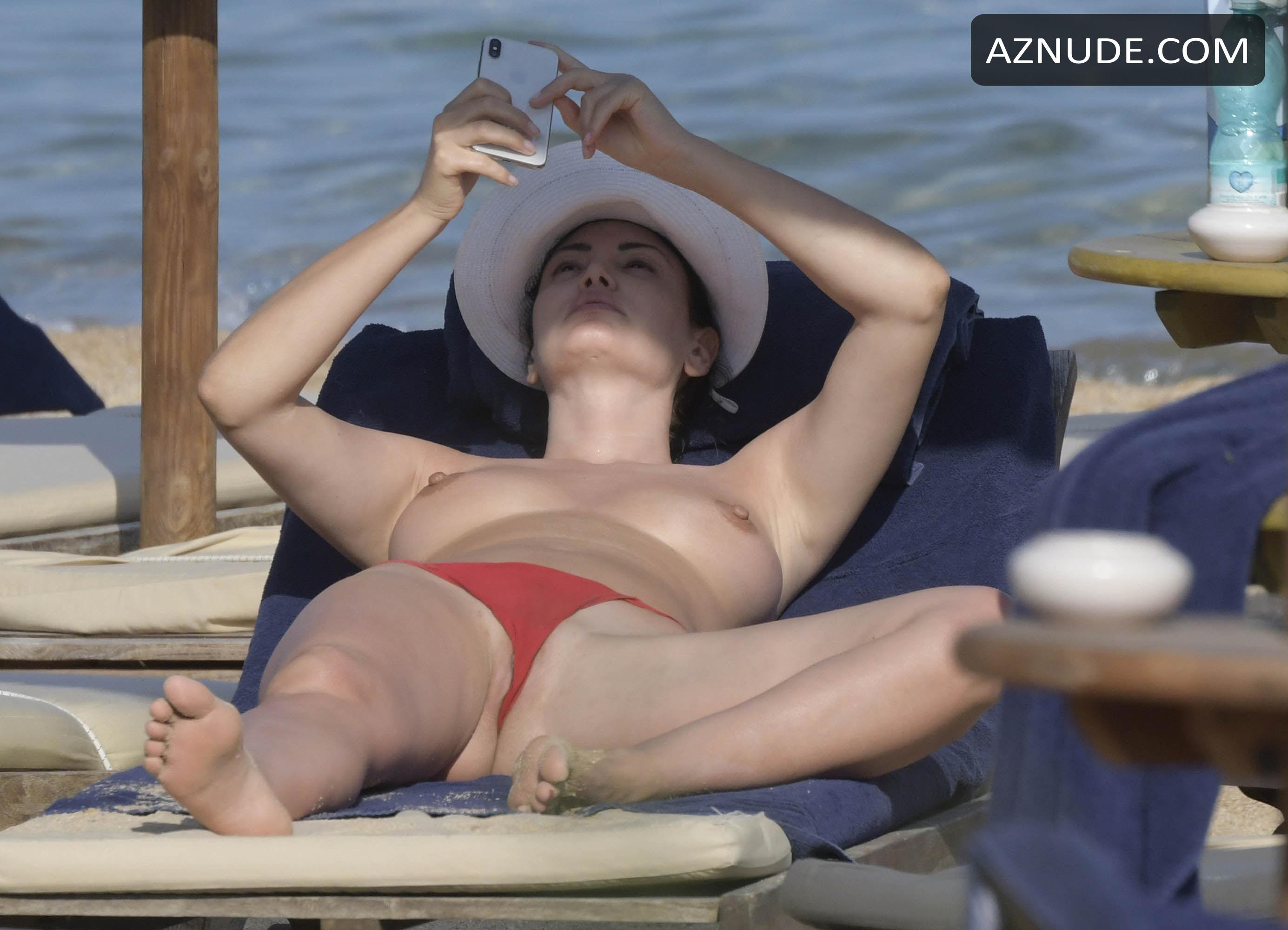 Bleona Qereti Topless In Amazing Tits And Pussy On The -7846