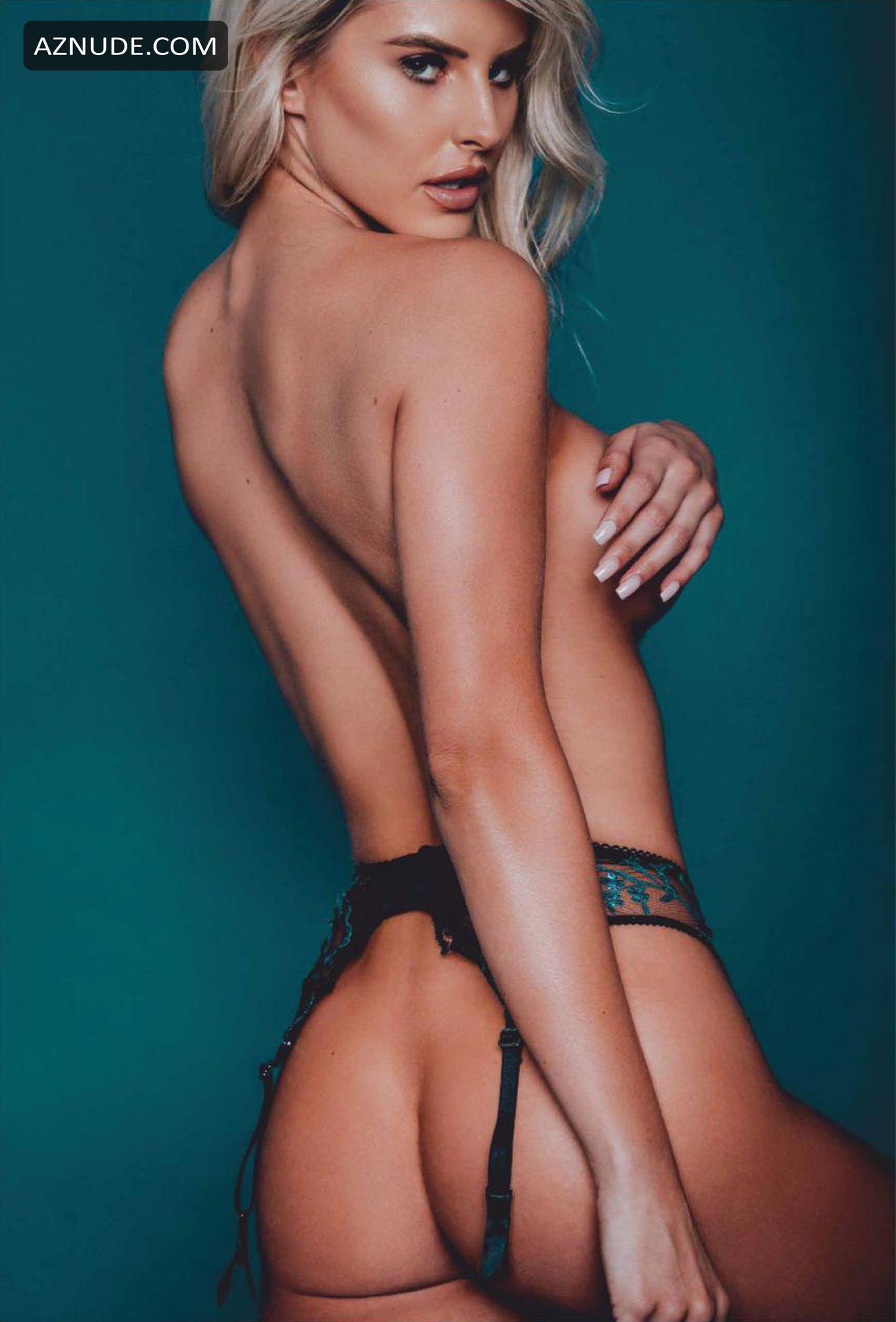 HOT MOVIE Angelina jolie sexiest pics