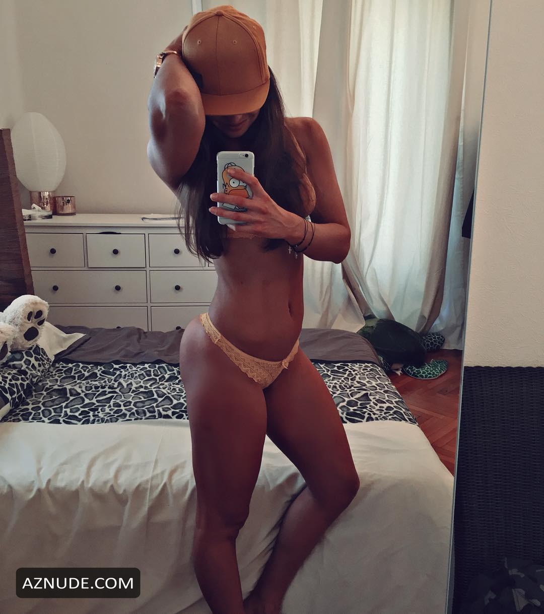 Nackt  Caroline CLN 49 hot