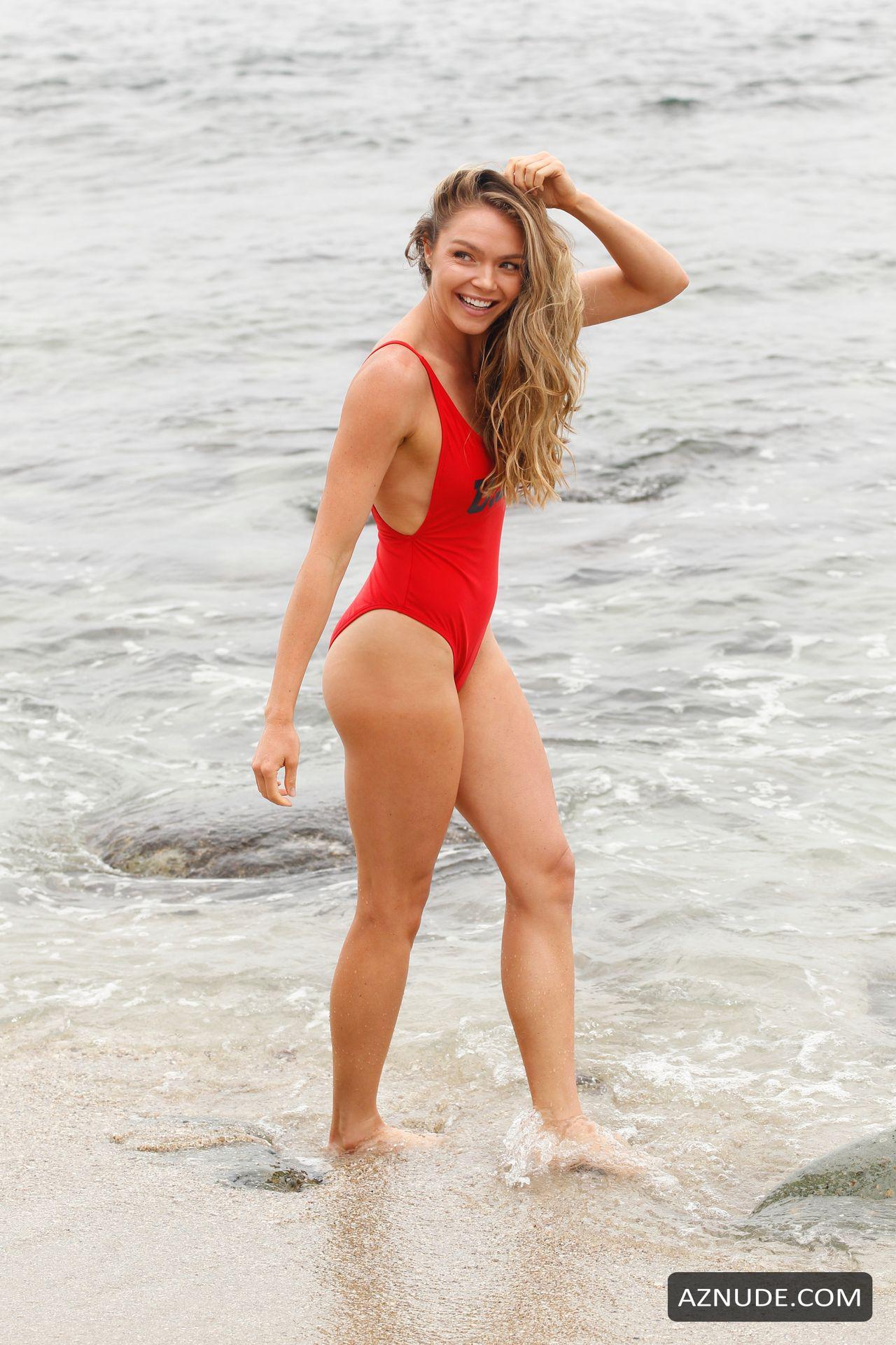 Hawkins nackt Chari  Hottest Female