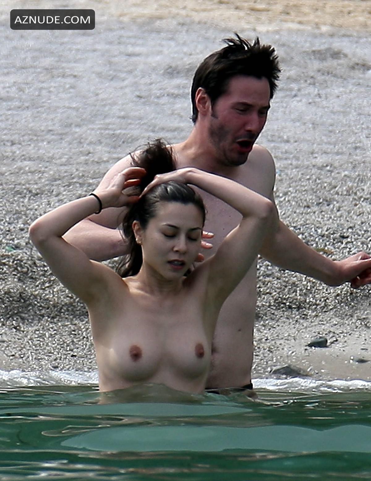 topless nude celebrities
