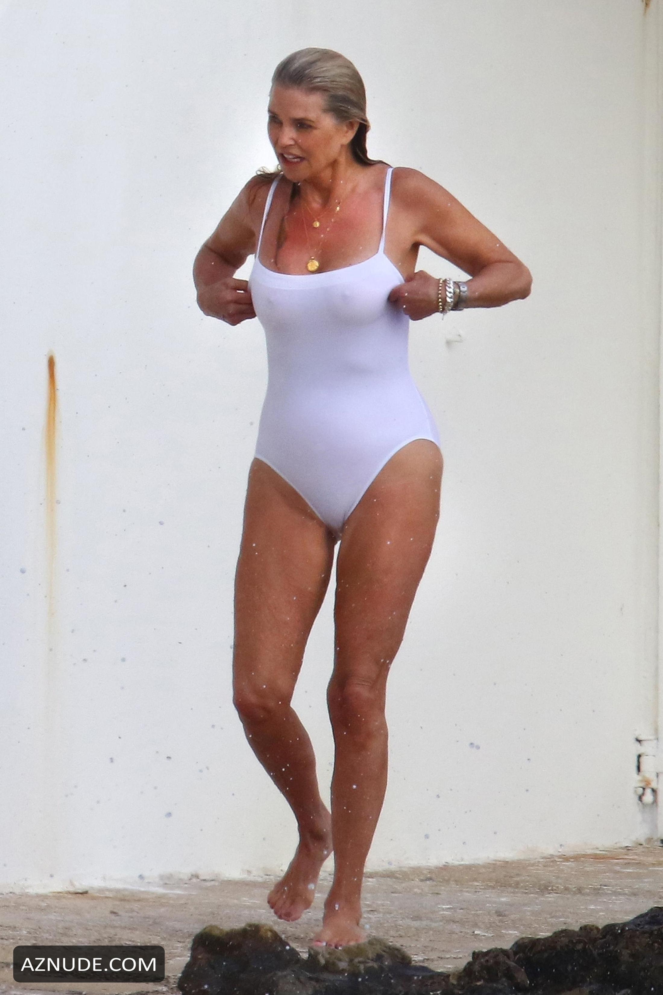 Christie Brinkley Hot Photos Enjoying The Beach With Her -3711