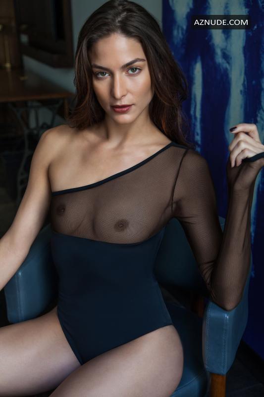 Christina Ionno  nackt