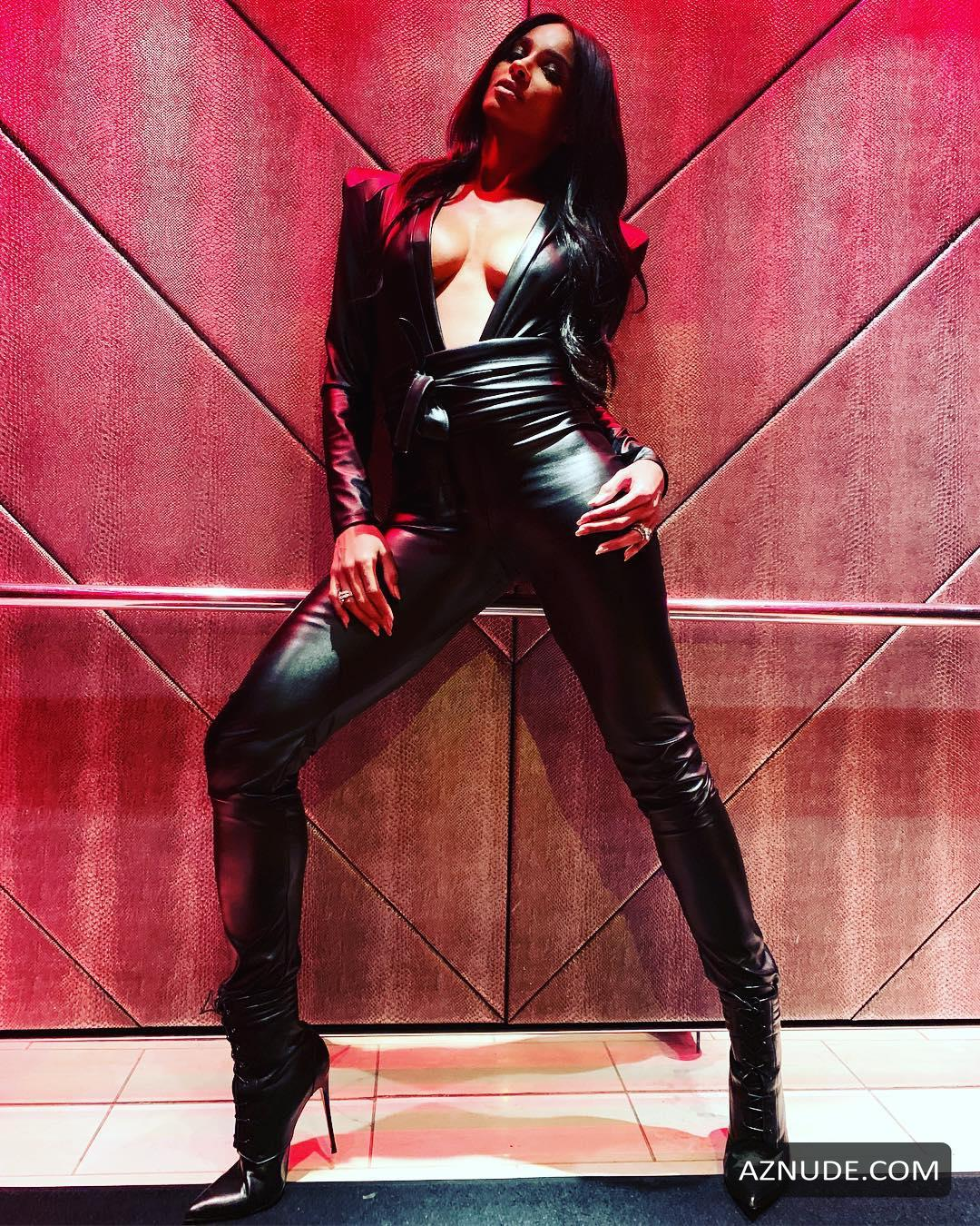 Nackt  Ciara Turner The Source