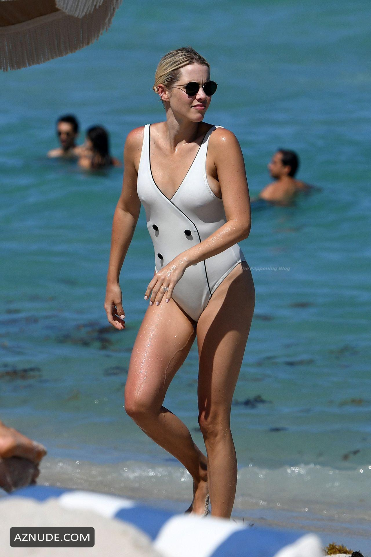 Holt naked claire Claire Holt