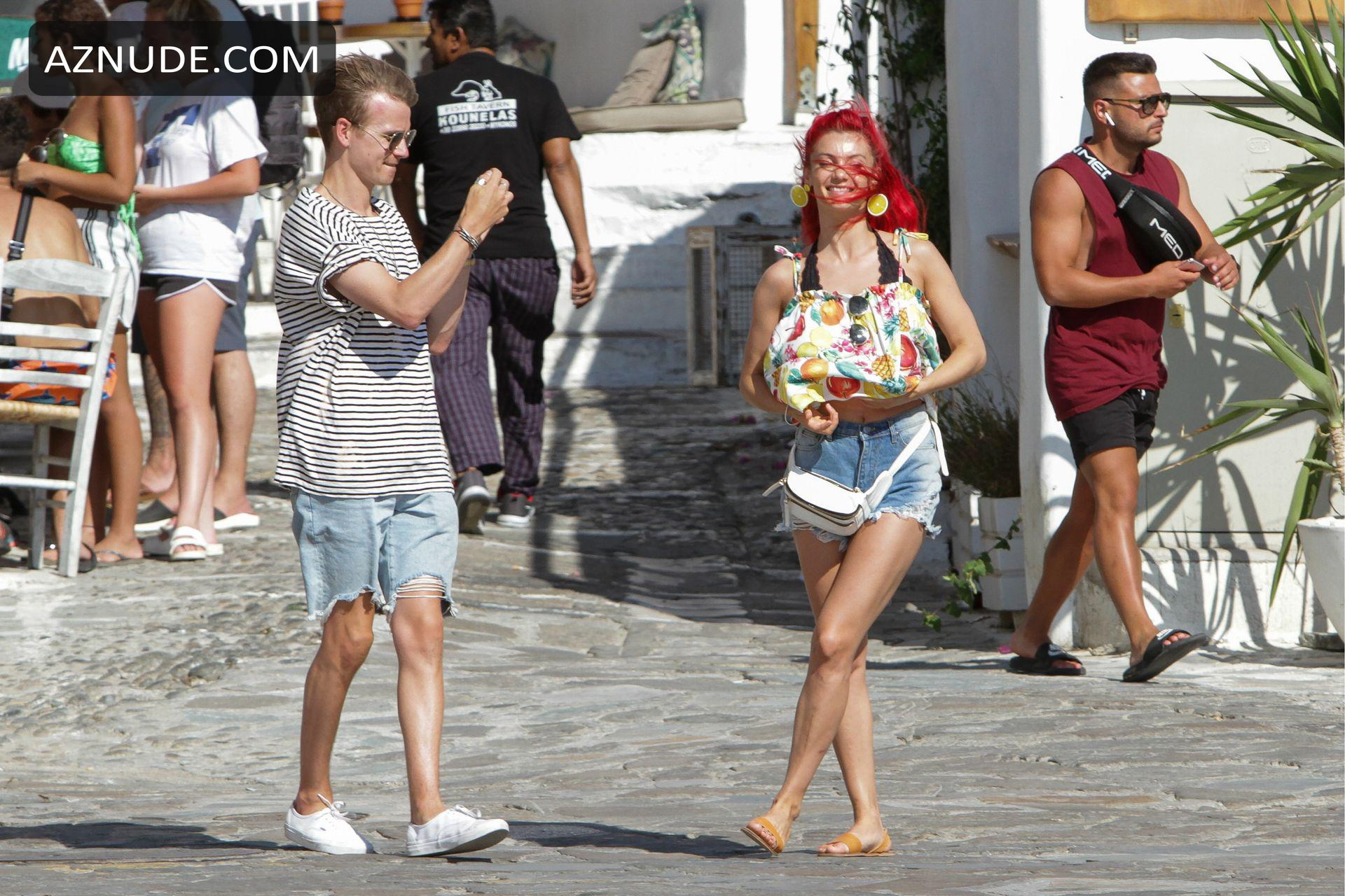 Dianne Buswell  nackt