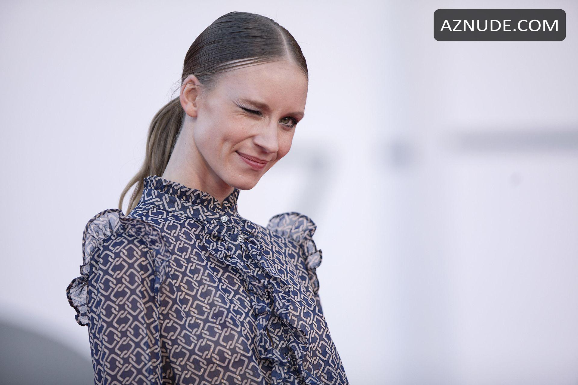 Nackt Ekaterina Buscemi  Ukrainian woman