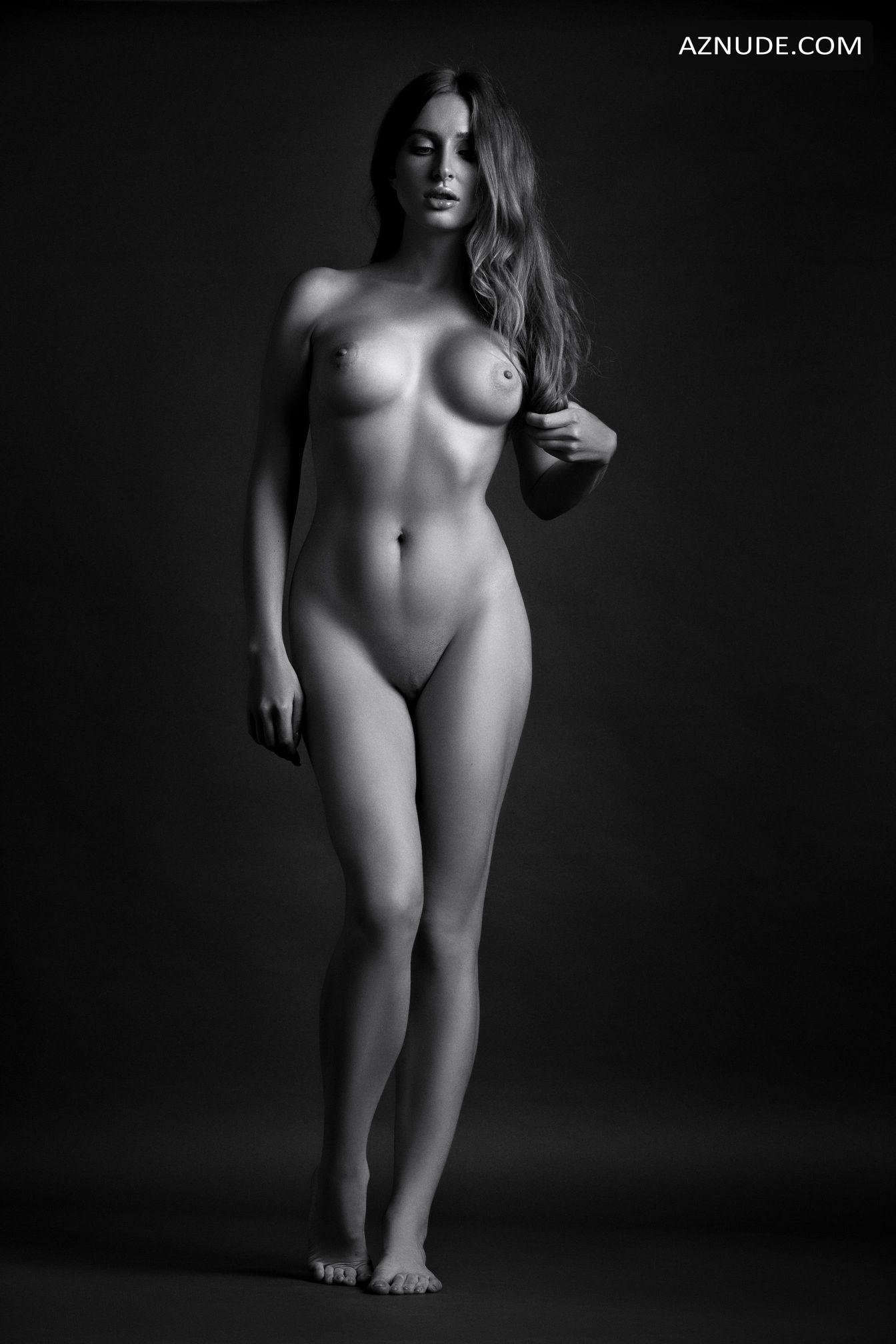 Attractive Russia Daily Nude Gif
