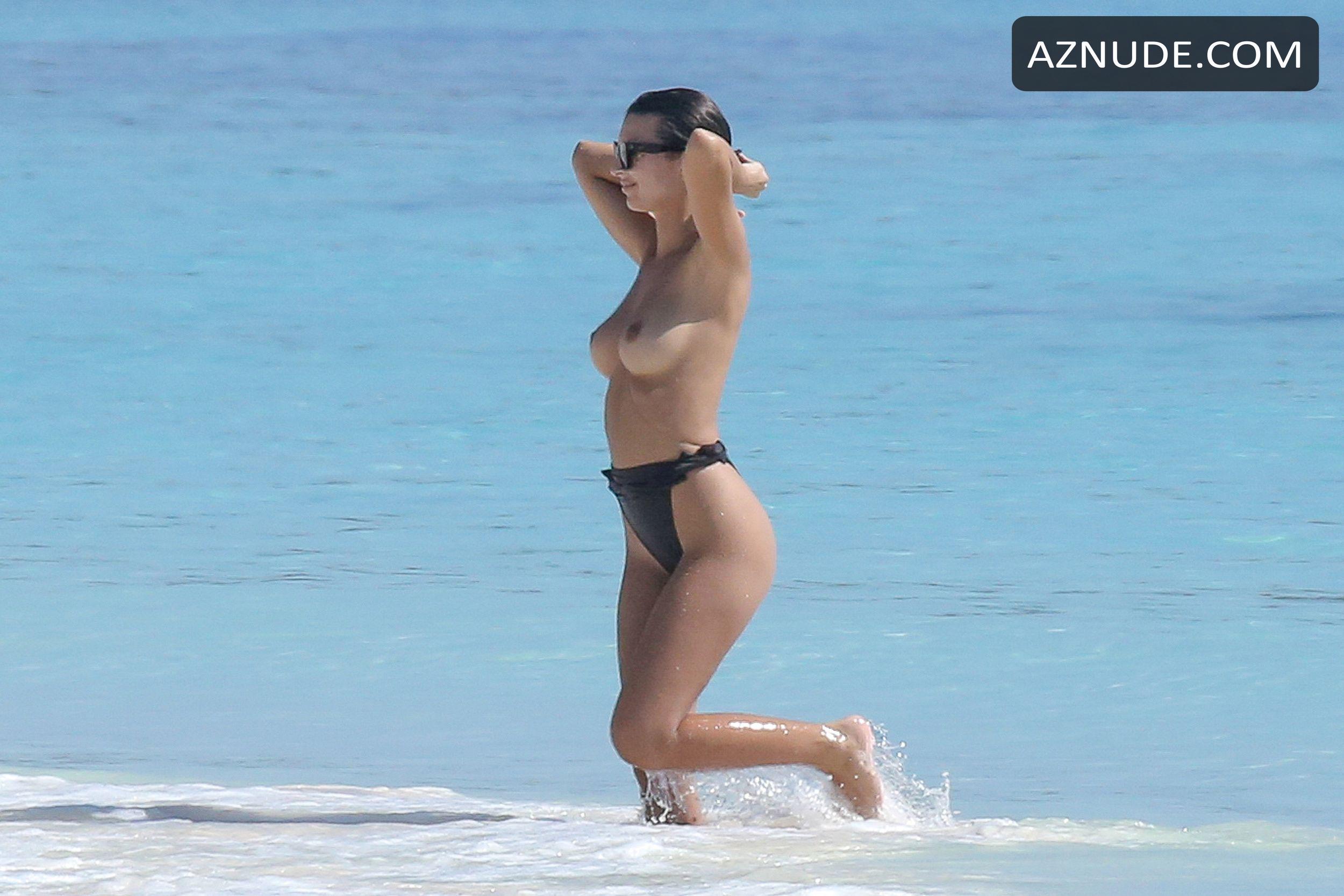 ratajkowski topless vacation Emily