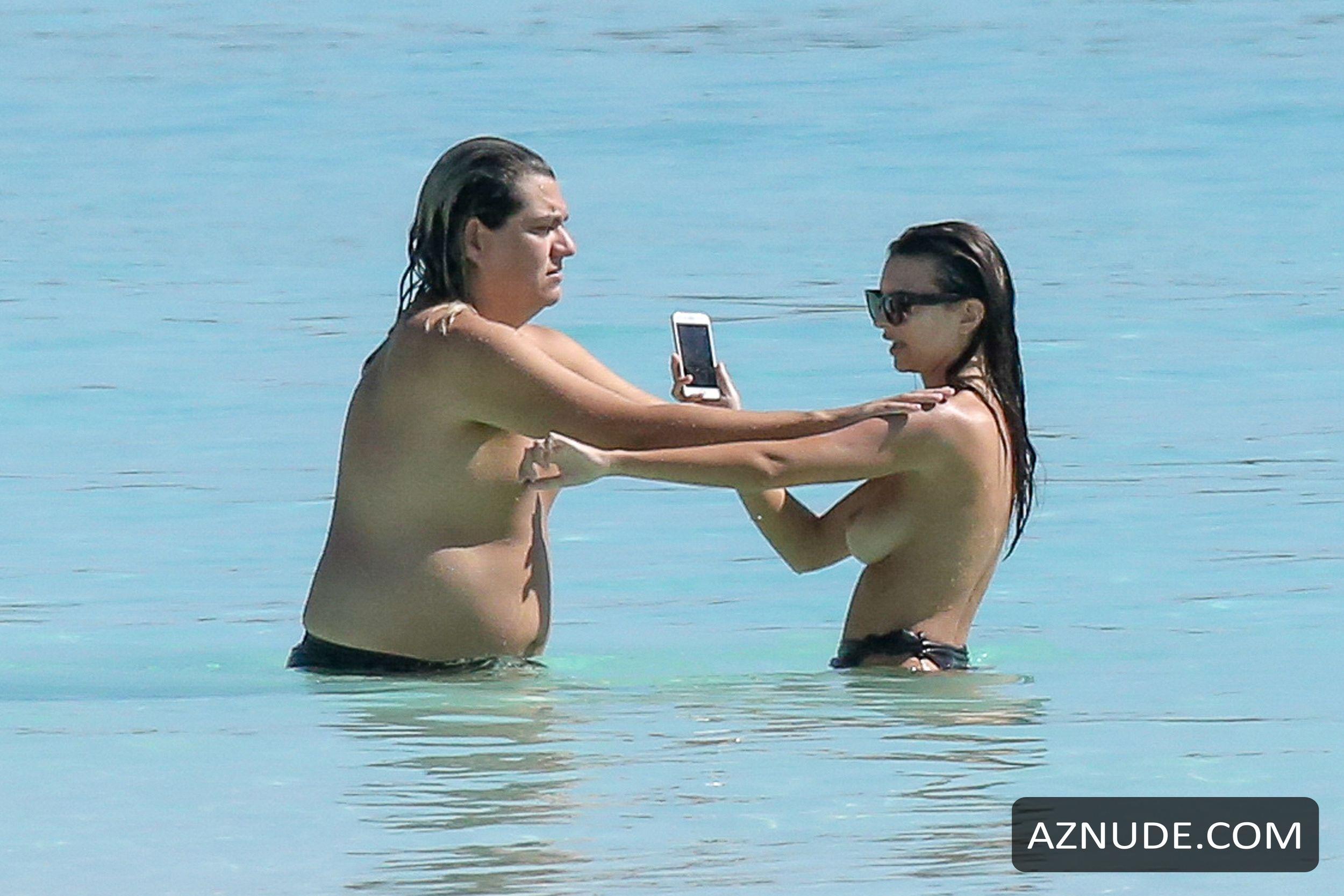 Emily ratajkowski topless vacation