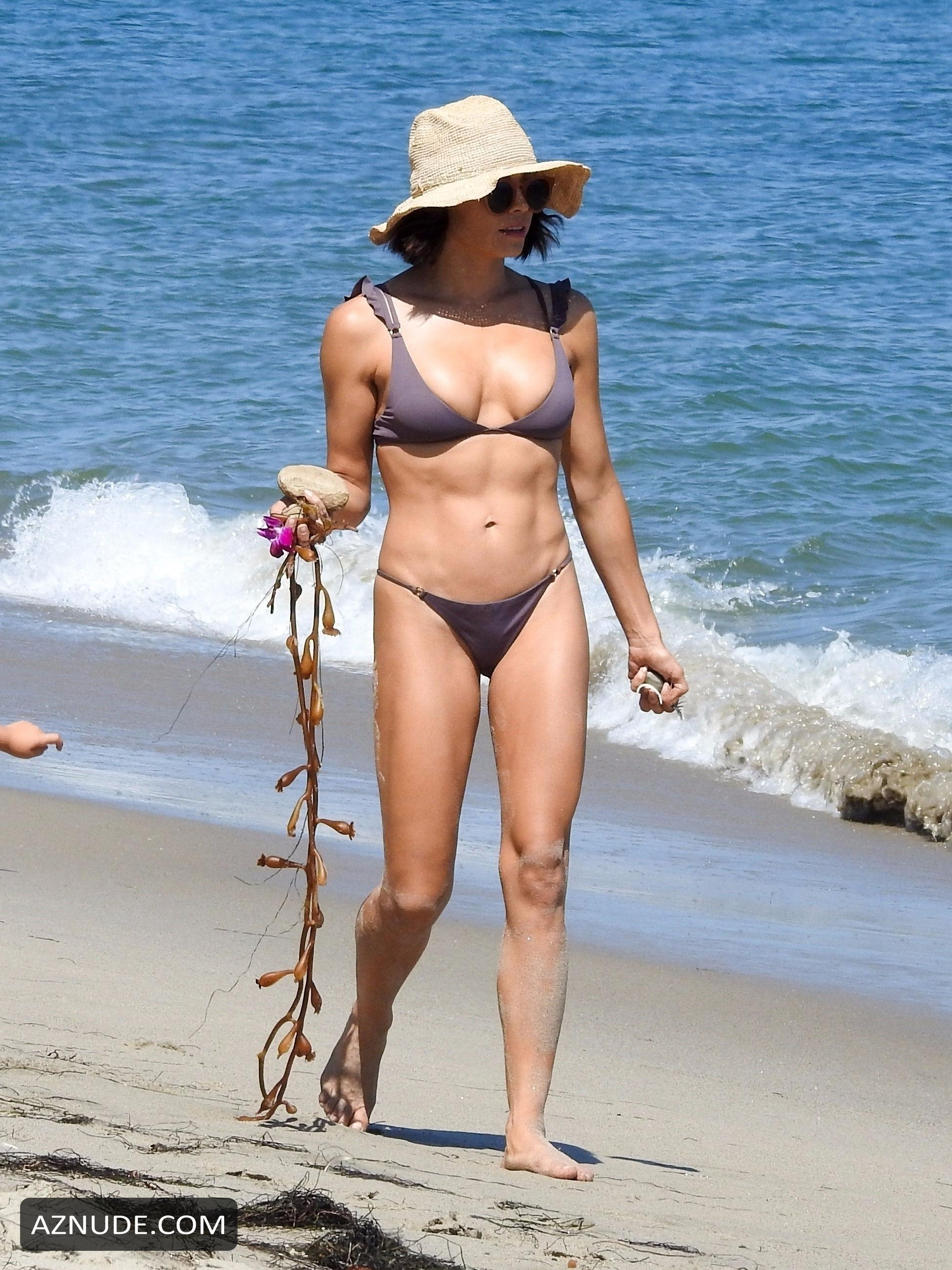 Jenna Dewan Tatum Sexy In A Lavender Two-Piece Swimsuit At -9239