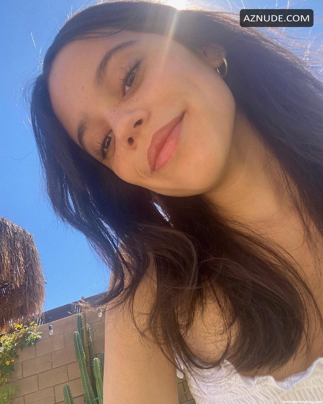 Ortega  nackt Jenna Jenna Ortega