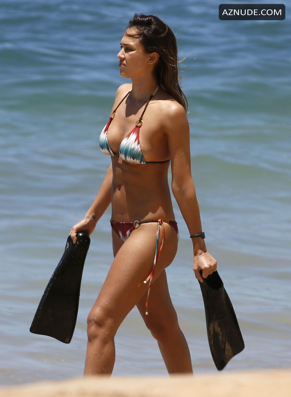 Jessica alba yellow bikini