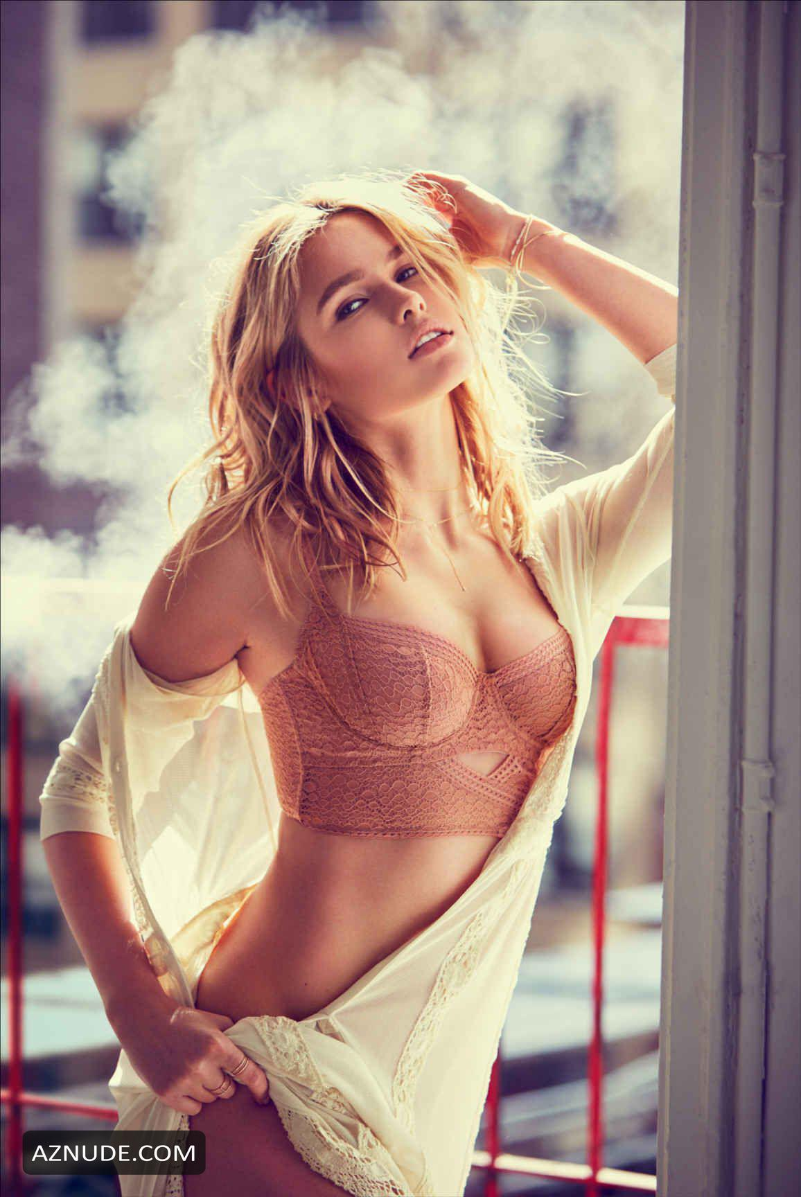 Nude Lada Kravchenko nudes (85 foto and video), Sexy, Sideboobs, Boobs, see through 2006