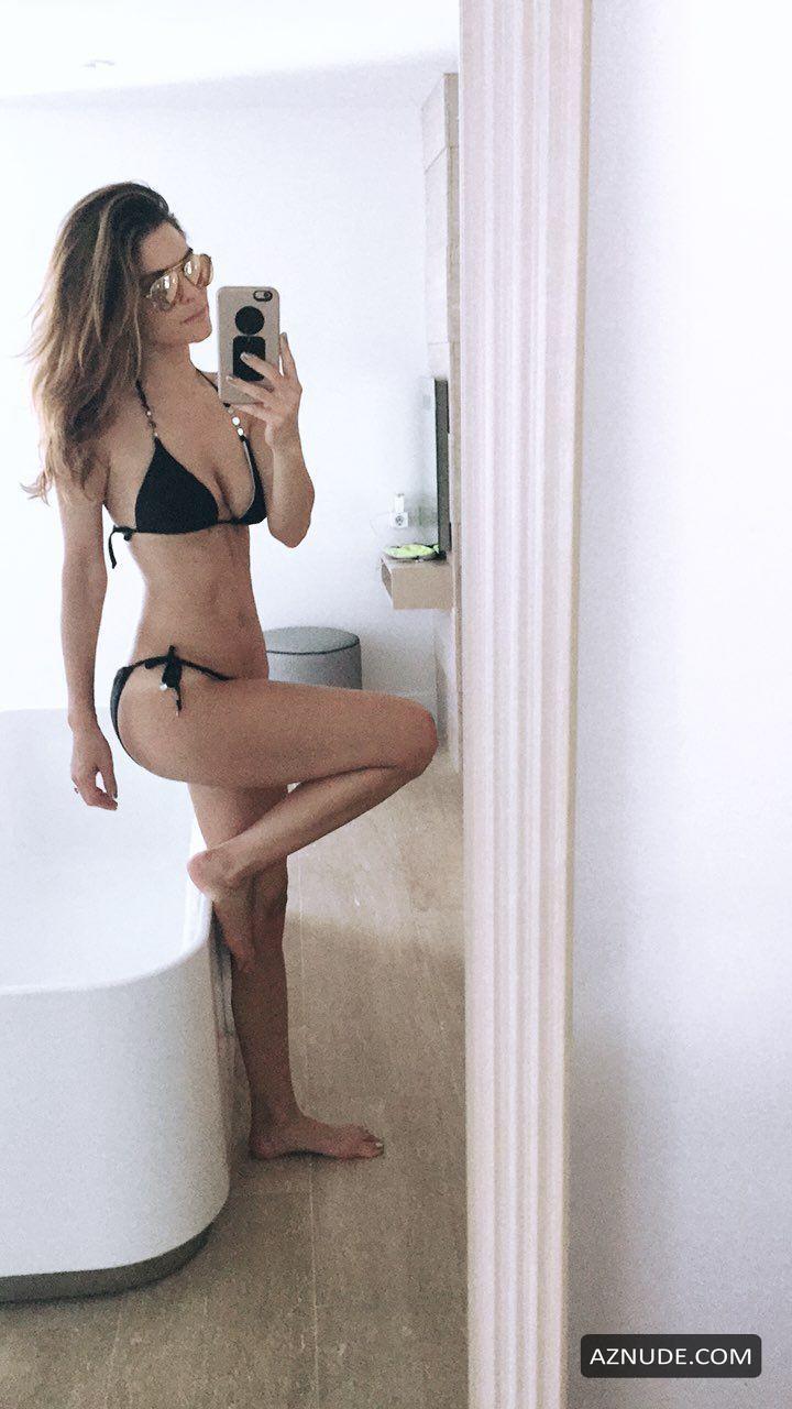 Maria Menounos Nude - Aznude-3138
