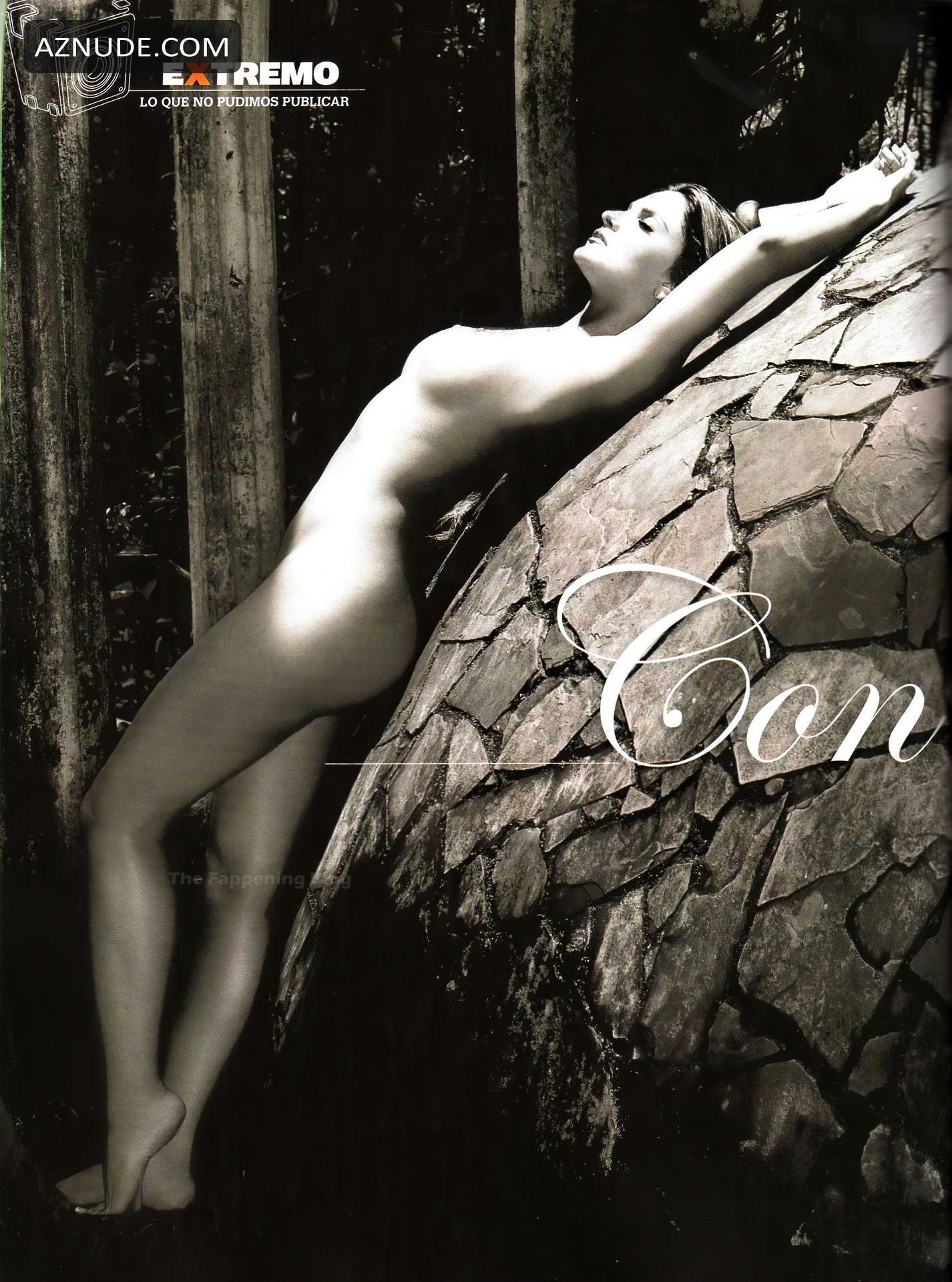 Mariana Seoane Nude In A Water Black