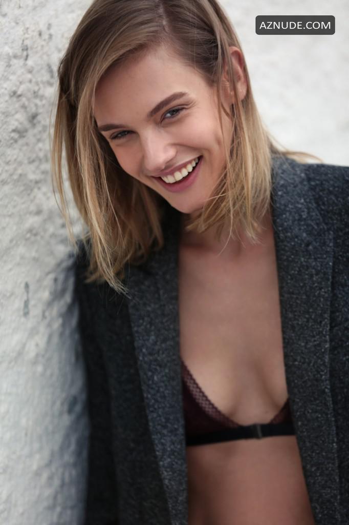 Marta Bez  nackt