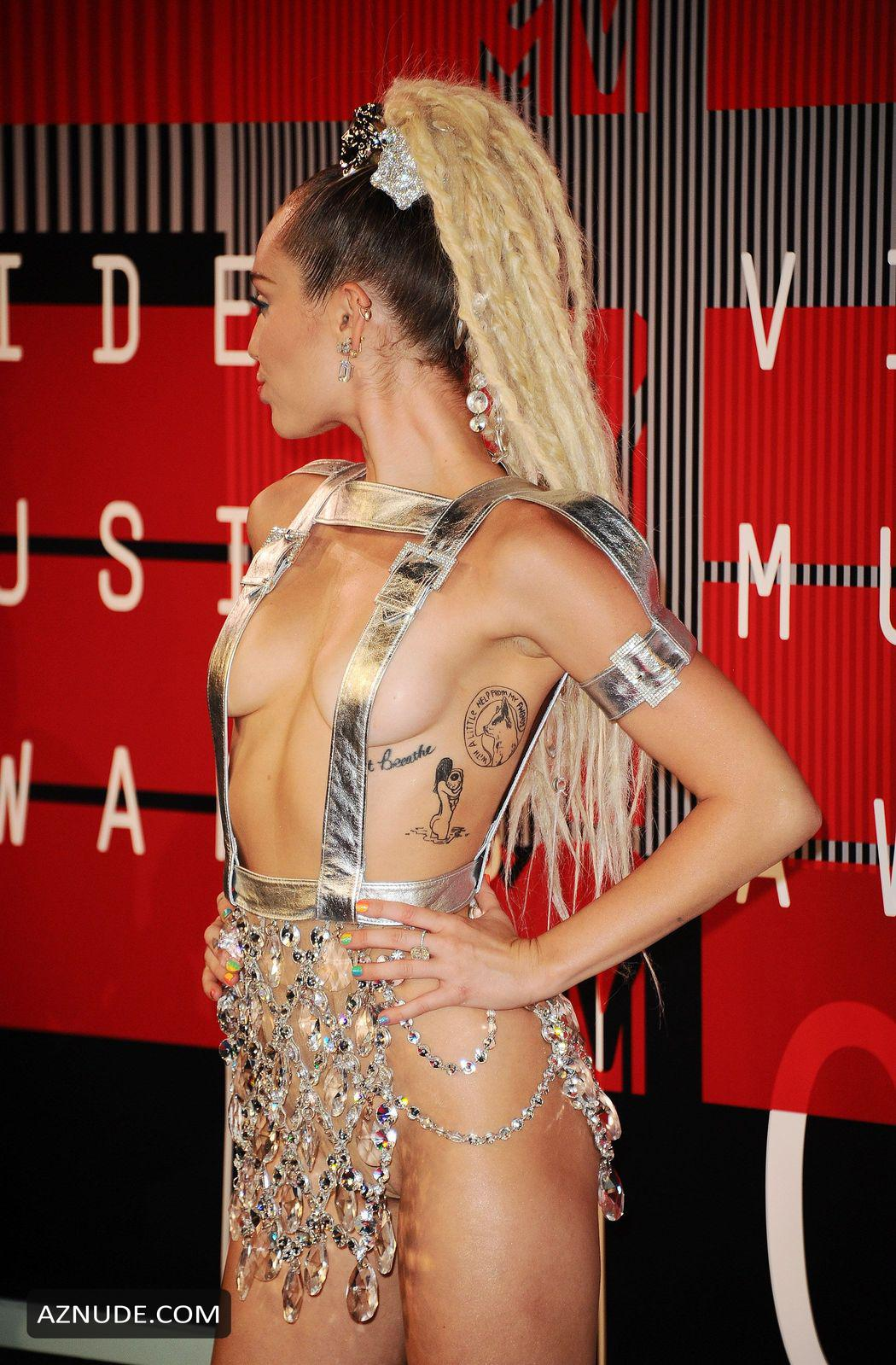 Miley Cyrus Nude - Aznude-2958
