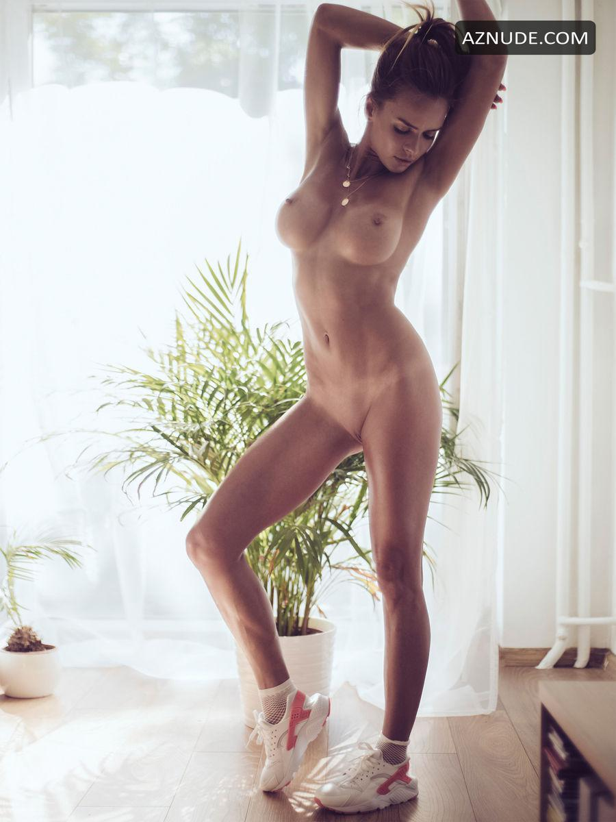 Nackt  Monika Fox FoxPorns: Free