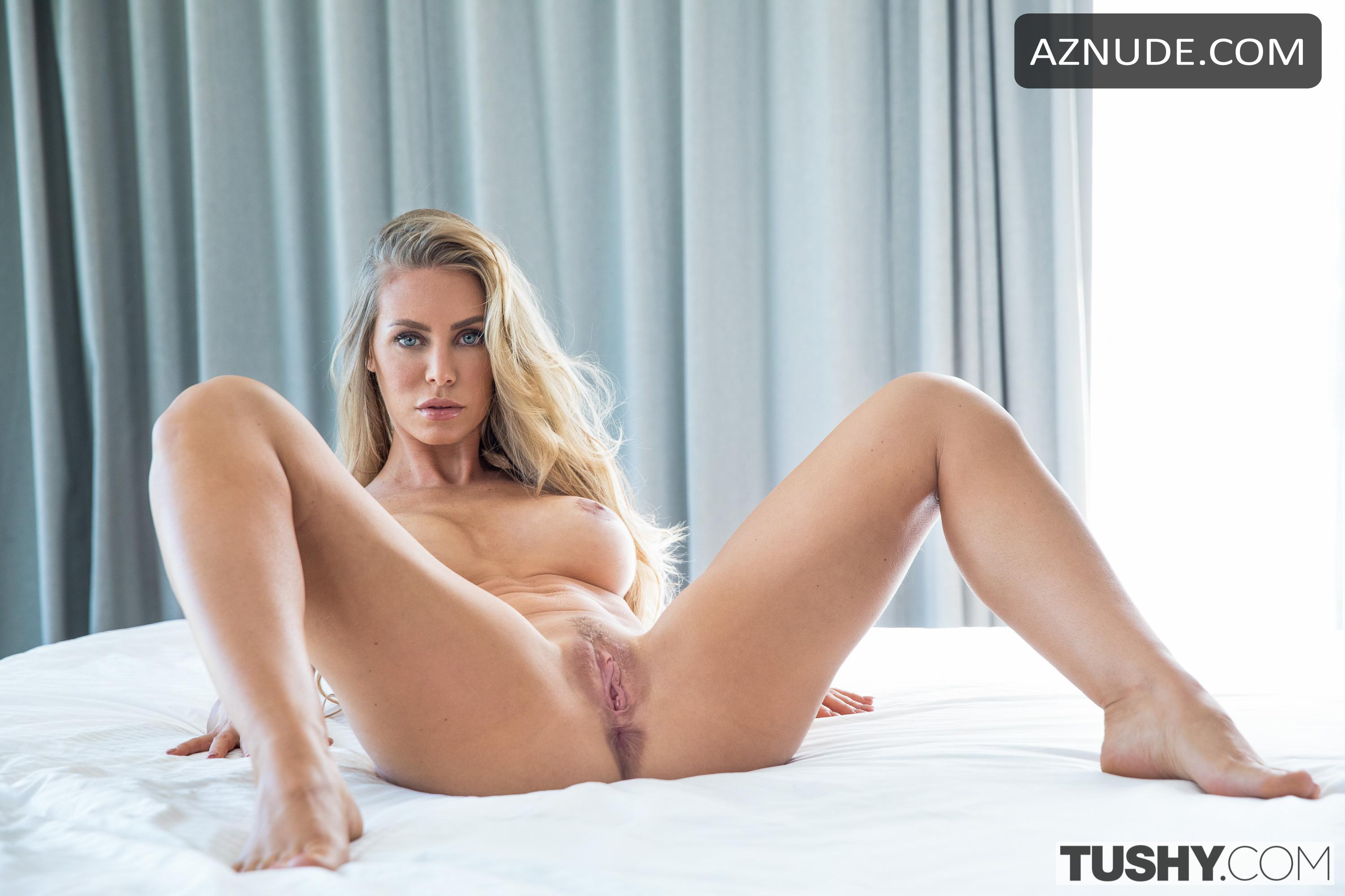 Nicole Aniston Naked