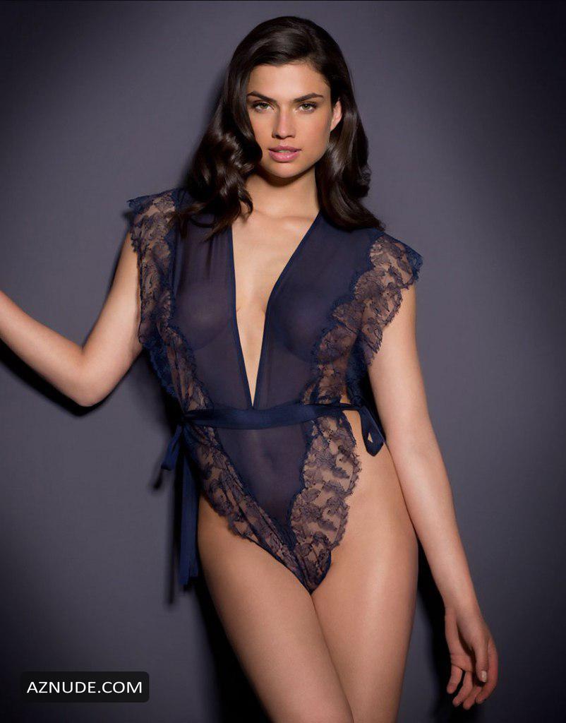 Nicole Harrison  nackt