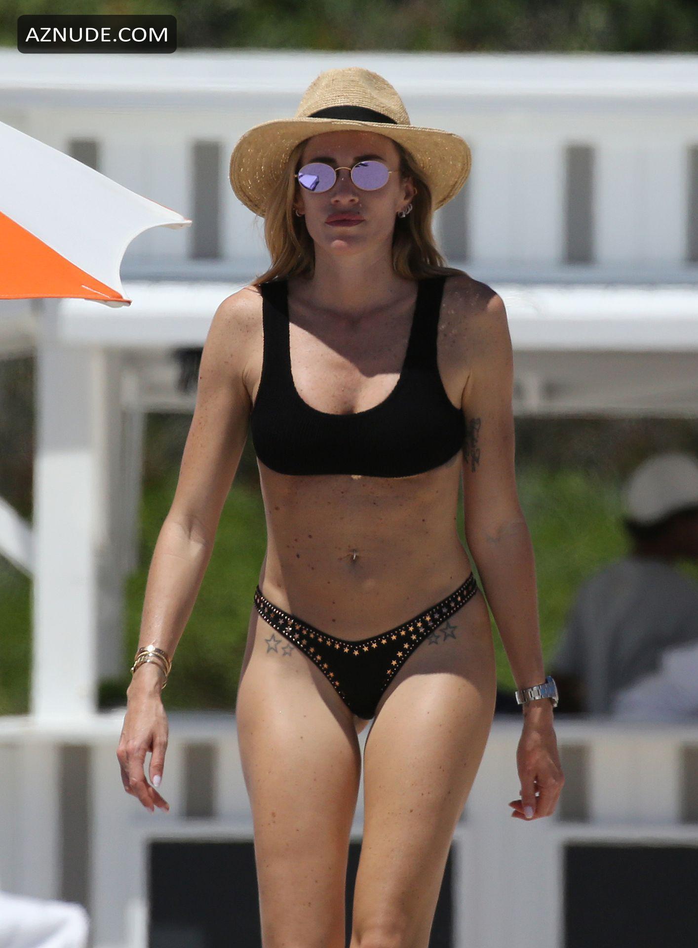 Ambrosini  nackt Paola Celebrity List