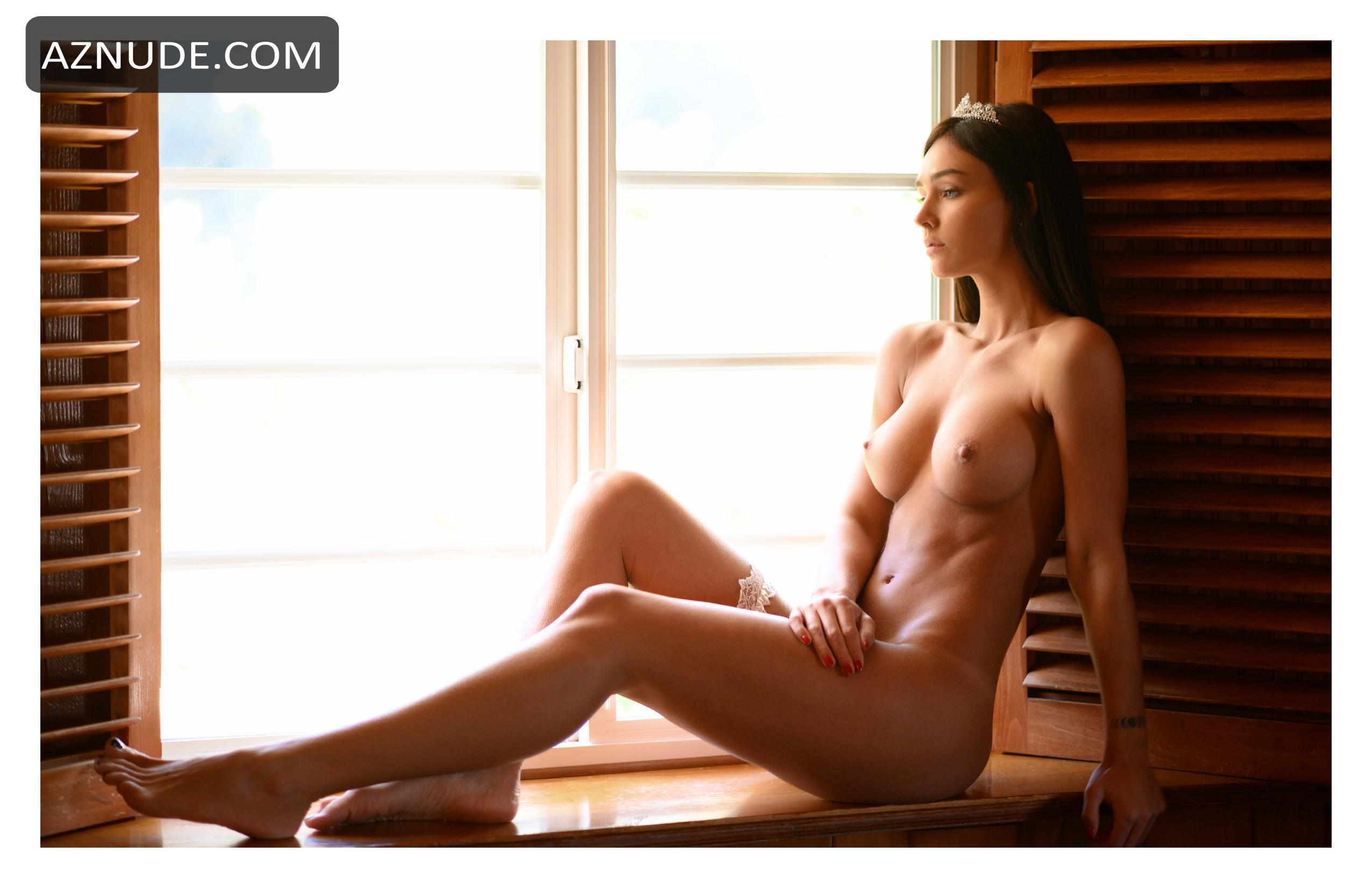 Topless Naked Photoshoot Pics Pictures