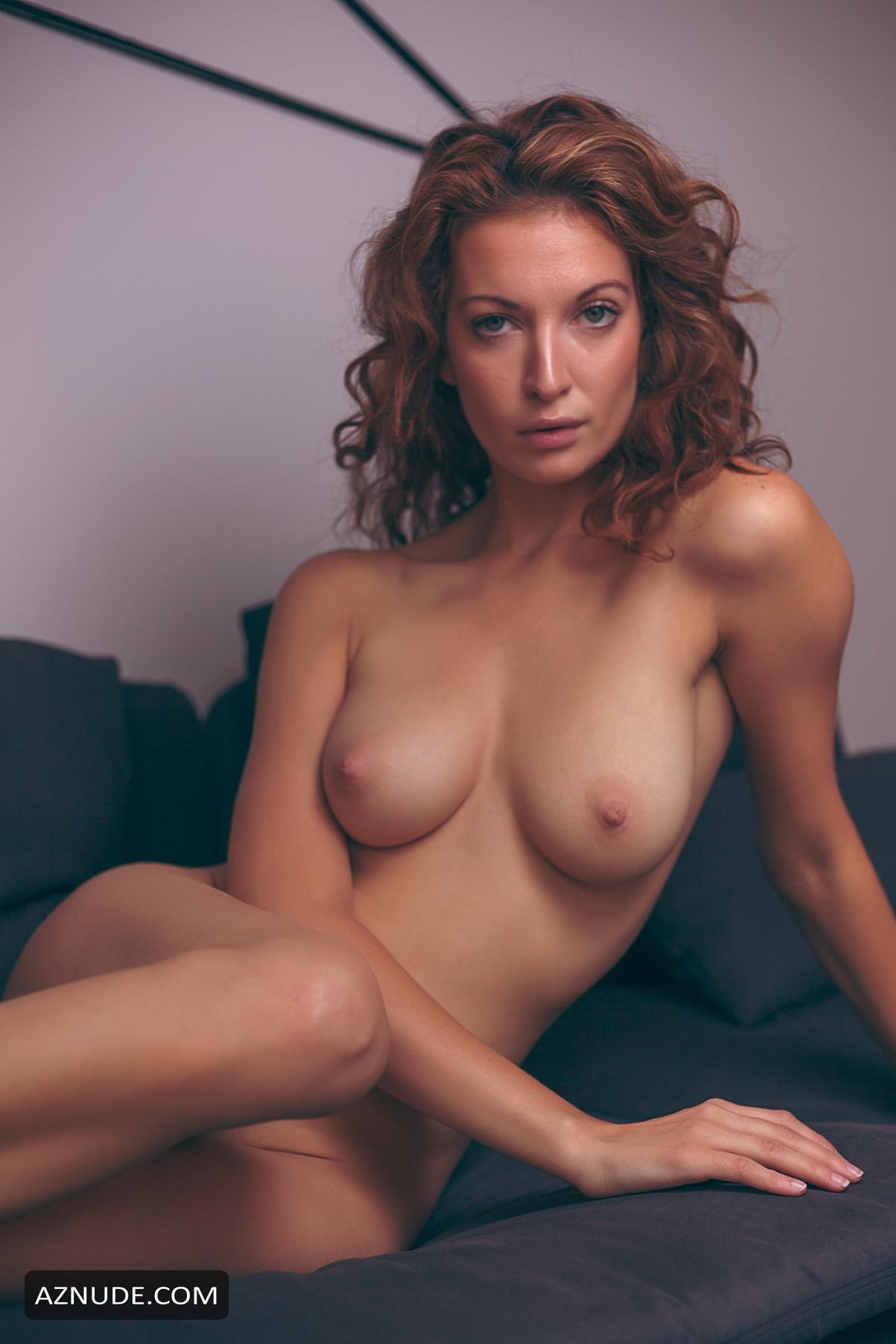 Sexy Elizabeth Rabbit Nude Photos