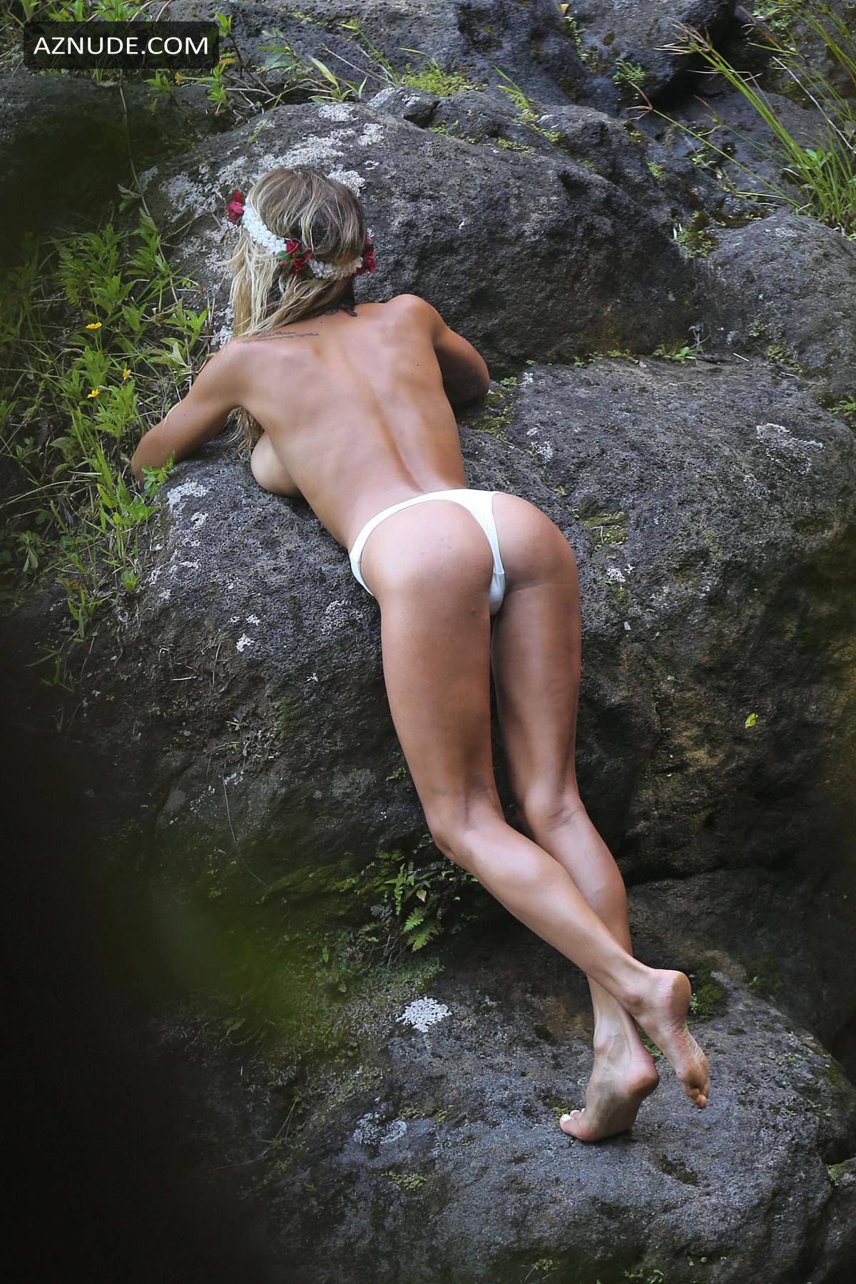 Celeb Nude Bieber Gif