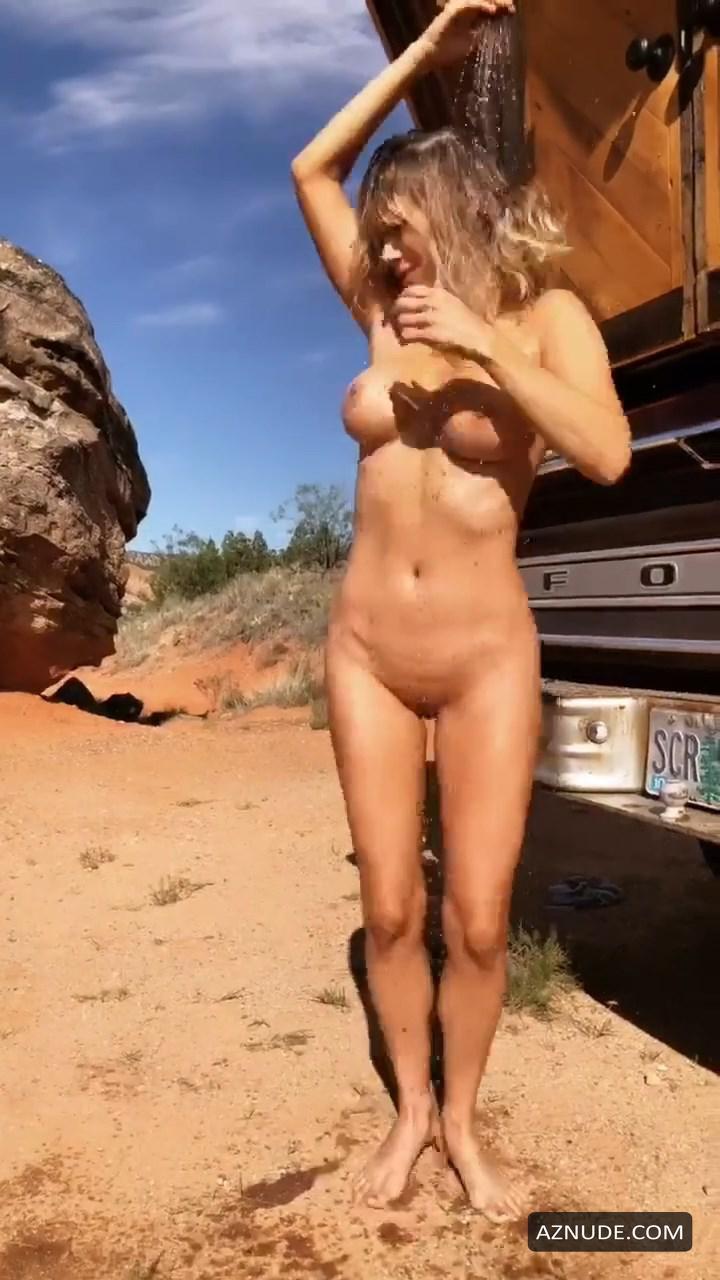 Sara Underwood Nude Showering Near Cabin Truck - Aznude-5107