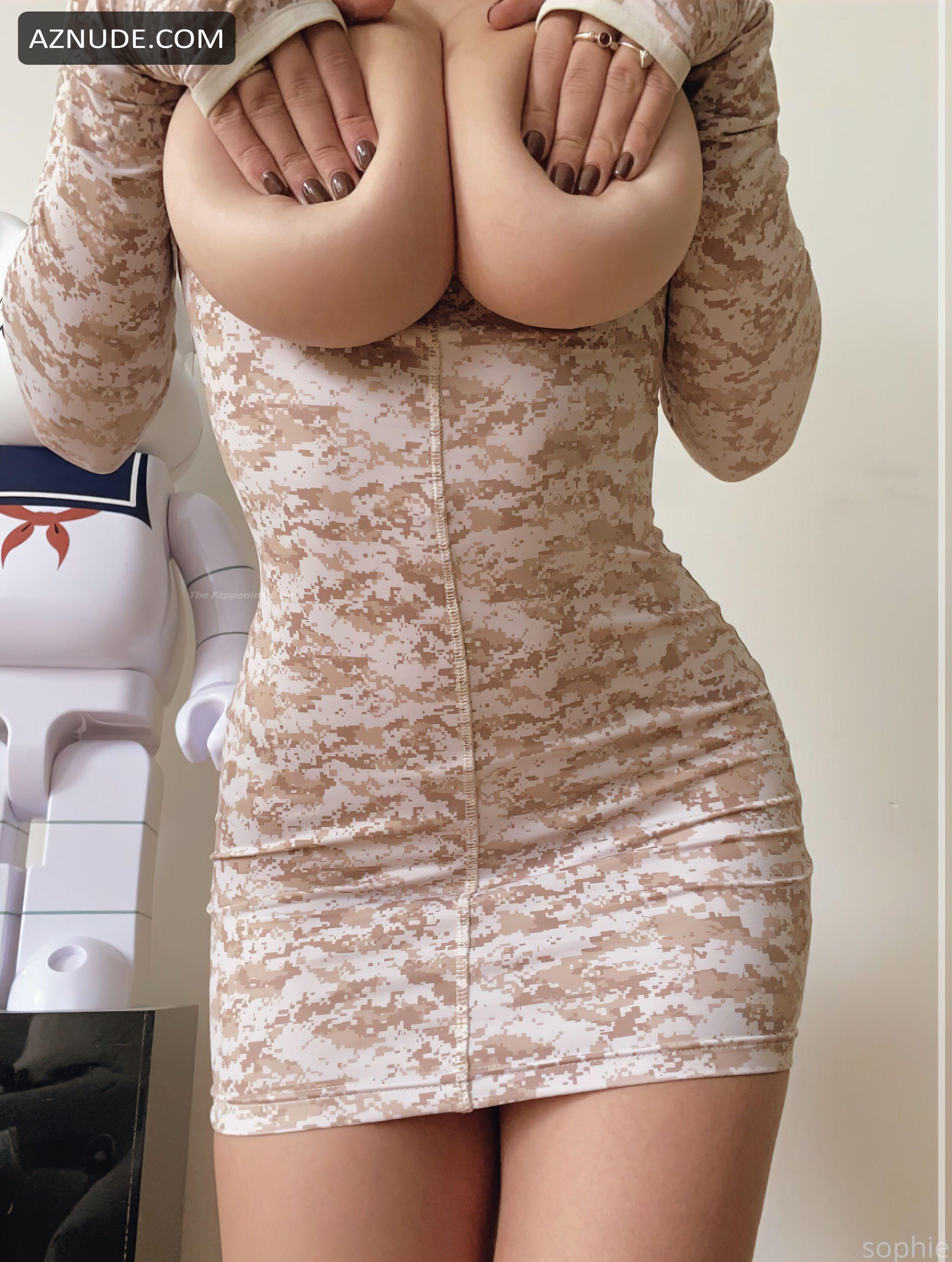 Naked sophie mudd Sophie Mudd