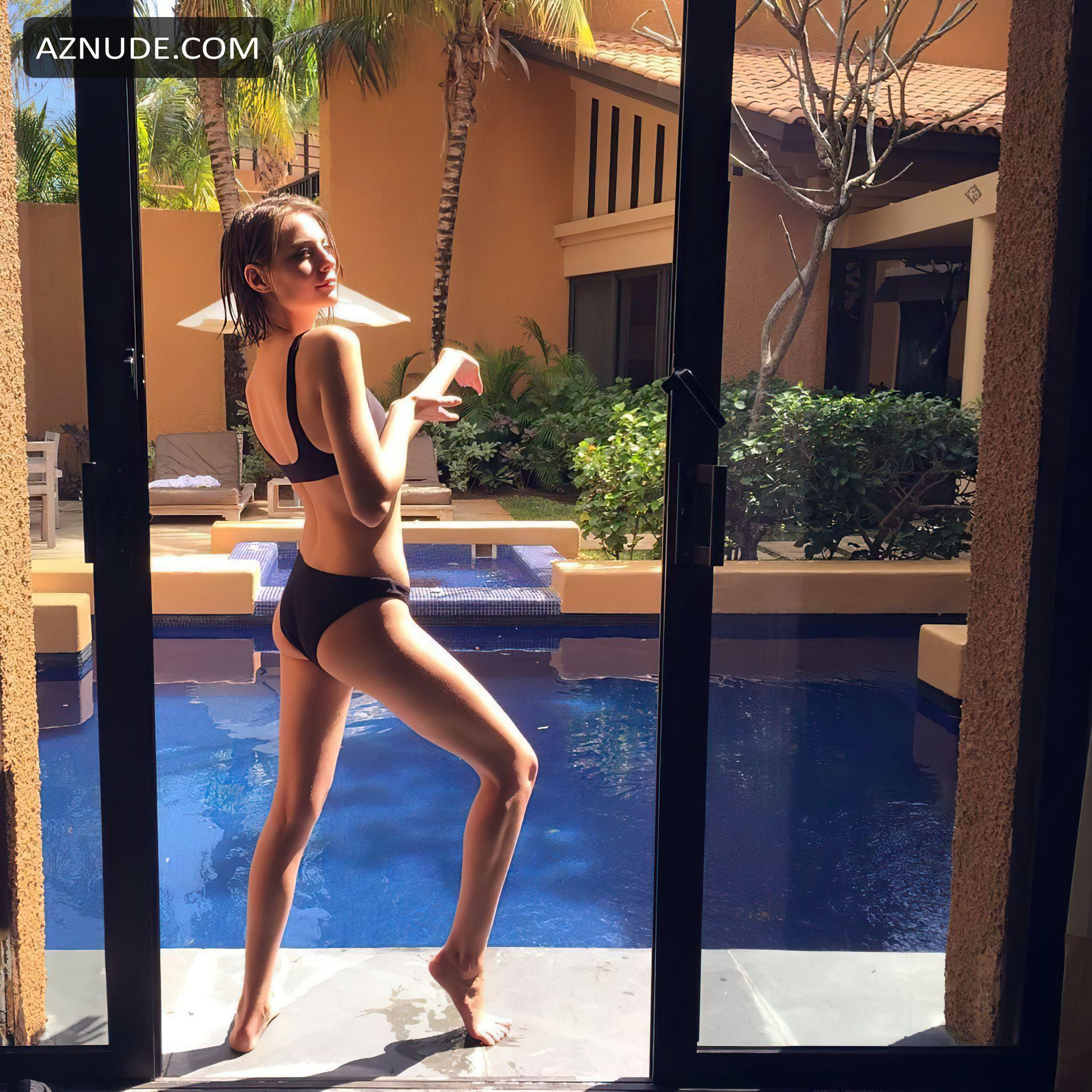 Willa Holland Sharing A New Topless Selfie Of Her Bare -5508