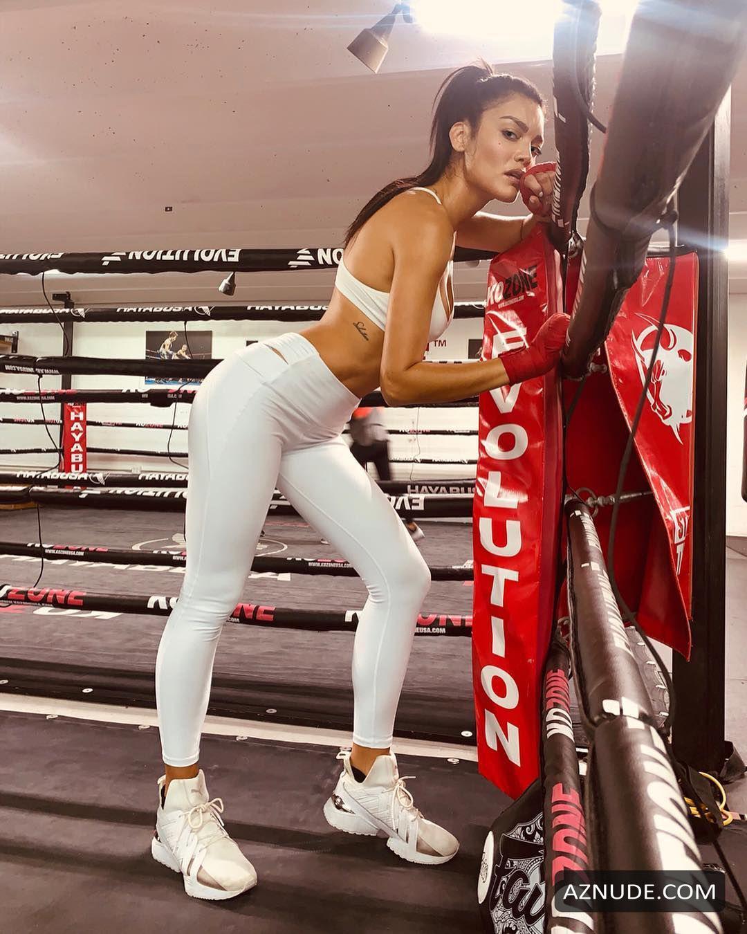 Nackt Zuleyka Rivera  Yahoo ist