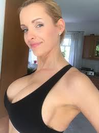 Nicole nackt Hurt Naked Redhead