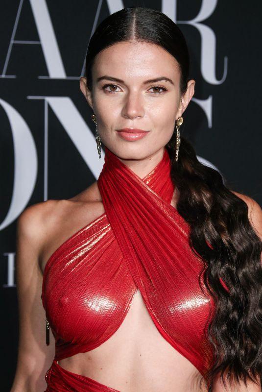 Raphaële Godin  nackt