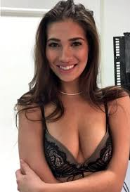 Olivia Mahood  nackt