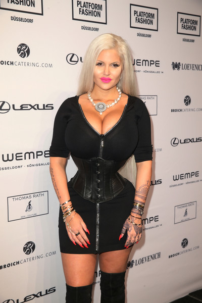 Nackt  Sophia Vegas Sophia Wollersheim