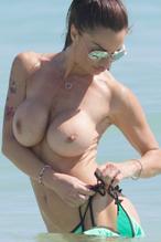 Nackt  Lara Swiecicki Hot !